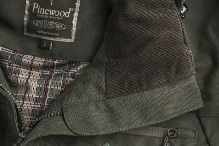 Jacheta Reswick Exclusive Pinewood®